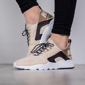Nike Air Huarache Ultra Oatmeal Sneaker 859516-100